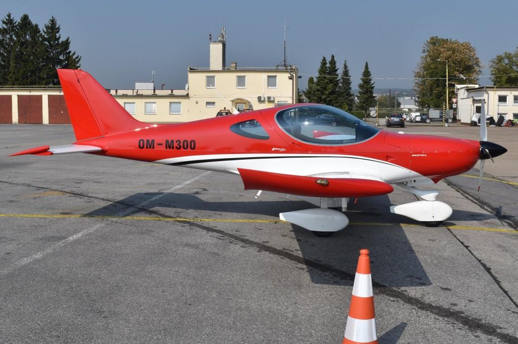 Tri lietadla_BRM Aero Bristell OM-M300 c.2