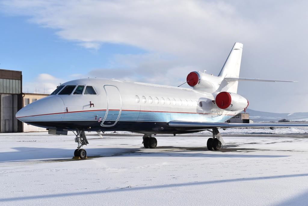 Tri lietadla_Dassault Falcon 900EX P4-GEM c.1