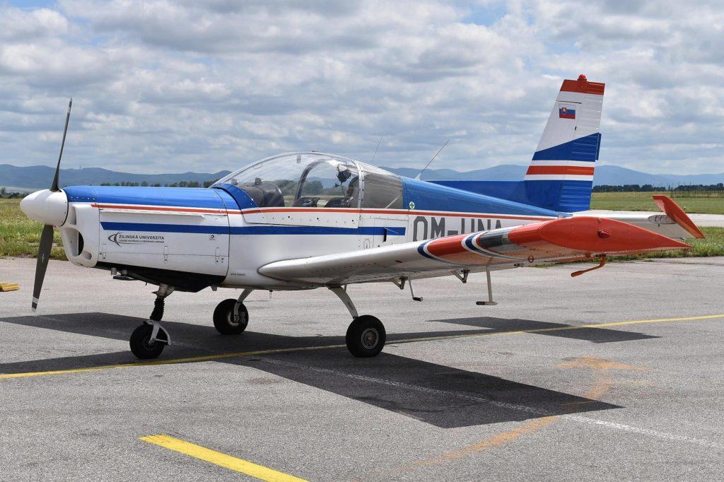 Lietadlo Z-142 OM-UNA