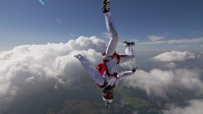 Roman Dubský skok z lietadla
